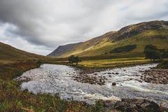 Schauen hinunter Glen Etive landschaft stockfotos