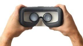 Schauen innerhalb eines vr oder AR-Kopfhörers lizenzfreies stockfoto