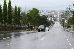 Schauen Sie auf Monrovia durch breite Straße Stockfotos