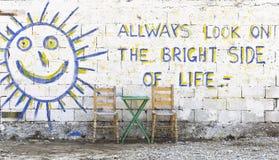 Schauen Sie immer auf der Sonnenseite des Lebens Stockfotografie