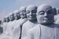 Schauen von Statuen Stockbild