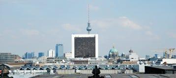 Schauen zur Stadt von der Reichstag-Abdeckung Stockfotos