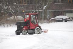 Schaufel im Schnee Stockbild
