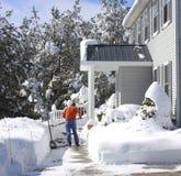 Schaufeln des Schnees Lizenzfreies Stockbild