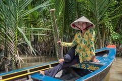 Schaufeln im der Mekong-Delta Lizenzfreie Stockfotografie
