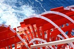 Schaufelrad-Kreuzfahrt-Boot Stockfotos