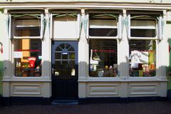 Schaukasten eines alten Speichers in den Niederlanden lizenzfreies stockfoto