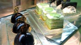 Schaukasten von Kuchen stockfotos