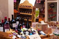 Schaukastenalkoholspeicher in Logrono spanien Stockfotos