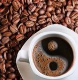 Schaumgummi in einem Tasse Kaffee stockfoto