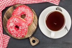 schaumgummiringe Köstlicher Nachtisch für Tee Beschaffenheit Für Ihre Auslegung Schön hell Stockbild