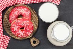 schaumgummiringe Köstlicher Nachtisch für Tee Beschaffenheit Für Ihre Auslegung Schön hell Lizenzfreies Stockbild