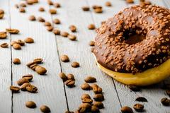 Schaumgummiringe mit Schokolade stockfotografie