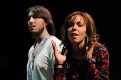 Schauspieler des Barcelona-Theater-Instituts, Spiel in der Komödie Shakespeare für Führungskräfte lizenzfreies stockfoto