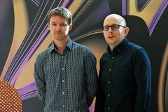 Schauspieler Kieran Charnock und Filmregisseur Dustin Feneley am internationalen Film-Festival Moskaus Lizenzfreies Stockbild