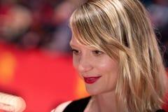 Schauspielerin Mia Wasikowska auf rotem Teppich bei Berlinale 2018 Lizenzfreies Stockbild
