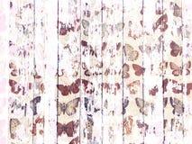 Schäbiges Holzkornbeschaffenheitsweiß wusch sich mit beunruhigtem Schmetterlingsmuster Stockfotografie