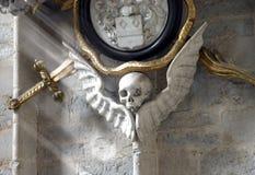 Schädel auf der Wand Stockbild