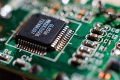 Scheda del calcolatore con i chip Fotografia Stock Libera da Diritti