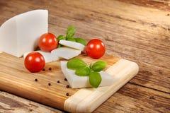 Scheda del formaggio fotografie stock libere da diritti