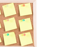 Scheda del sughero con le note in bianco Fotografia Stock Libera da Diritti