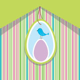 Scheda della sorgente con l'uovo di Pasqua e l'uccello Fotografia Stock Libera da Diritti