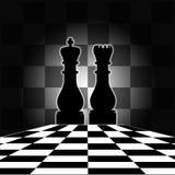 Scheda di scacchi con il re & la regina Fotografia Stock