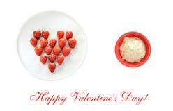 Scheda felice di giorno di biglietti di S. Valentino con il cuore della fragola Fotografia Stock