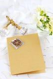 Scheda o menu dell'invito per la cerimonia nuziale Fotografia Stock Libera da Diritti