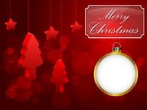 Scheda rossa per natale Un albero di Natale e una palla bianca Fotografia Stock Libera da Diritti