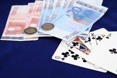 Schede di gioco con soldi Fotografia Stock