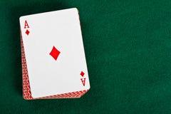 Schede e pacchetto delle schede di gioco. Immagini Stock