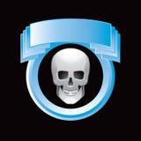 Schedel in blauwe vertoning Stock Fotografie