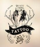 Schedel van de de schoolstudio van het tatoegeringsmeisje de oude royalty-vrije illustratie