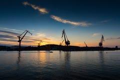 Scheepswerf bij zonsondergang Royalty-vrije Stock Afbeeldingen