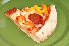 Scheibe der heißen würzigen Pizza Stockfoto