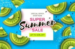 Scheibe der Kiwi Beschneidungspfad eingeschlossen Kiwi Super Summer Sale Banner in der Papierschnittart Saftige reife grüne Schei lizenzfreie abbildung