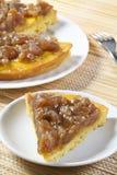 Scheibe der Kuchensahne und des marron glacé Lizenzfreie Stockfotografie