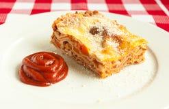 Scheibe der Lasagne Lizenzfreies Stockfoto