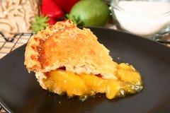 Scheibe der Pfirsich-Torte stockfoto