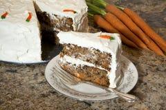 Scheibe des Karottekuchens Stockfoto
