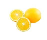 Scheibe des orange Isolats auf Weiß mit Arbeitsweg Lizenzfreie Stockfotos