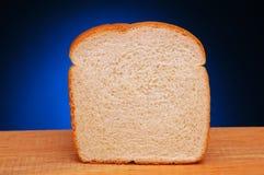 Scheibe des weißen Brotes Stockbild