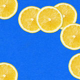 Scheiben auf blauem Hintergrund Lizenzfreie Stockfotos