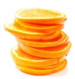 Scheiben der frischen orange Frucht lokalisiert auf weißem Hintergrundabschluß Lizenzfreie Stockfotos