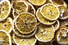 Scheiben der getrockneten Zitrone stockbild