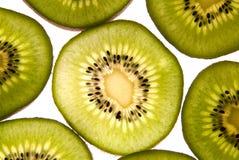 Scheiben der Kiwi für Nahrung Lizenzfreie Stockfotos