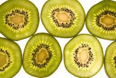Scheiben der Kiwi für Nahrung auf weißem Hintergrund Stockfotografie