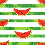 Scheiben der Wassermelone auf einem gestreiften Hintergrund Nahtloser Vektor Stockbild