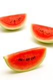 Scheiben der Wassermelone getrennt Stockfotos